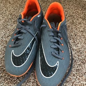 Nike Skin Mens Size 11.5 Scoccer Shoes